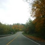 Pequena estrada no interior do Quebec